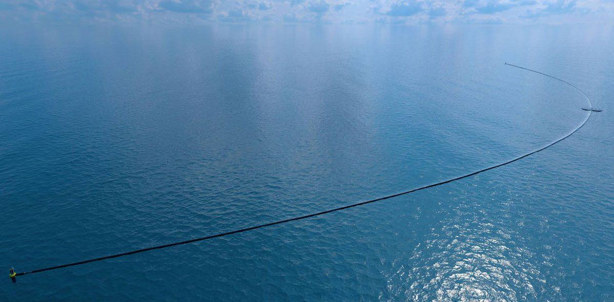 Plastikbeseitung im Meer
